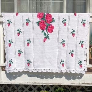 Vintage Antique White with Roses Crochet Blanket